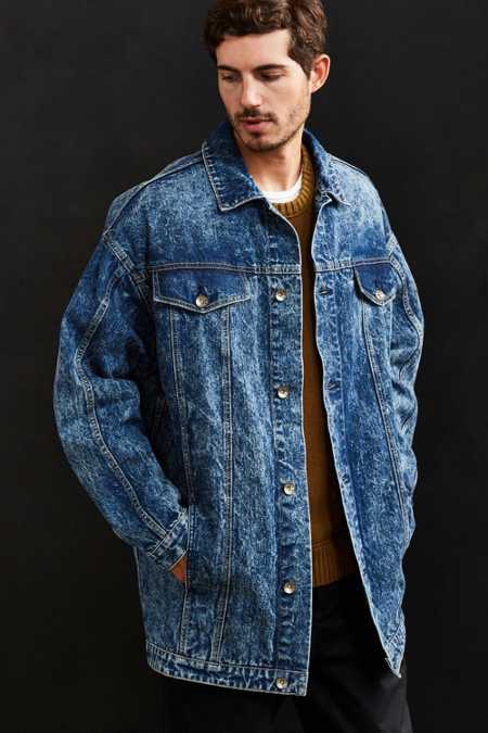 BDG Longline Relaxed Denim Trucker Jacket