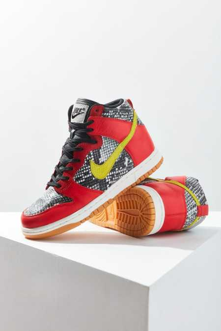 Nike Dunk High LX Sneaker