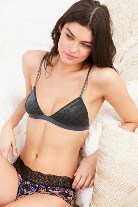 Out From Under Velvet Jennifer High Point Bra