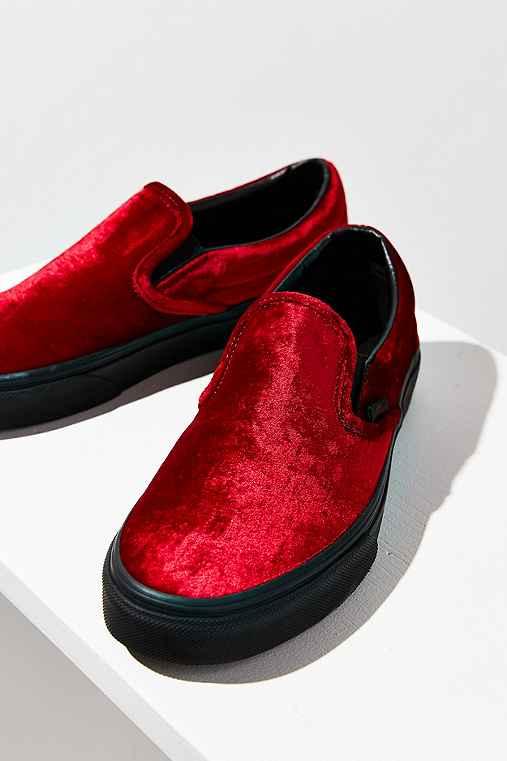Vans Velvet Slip-On Sneaker,MAROON,W 10/M 8.5