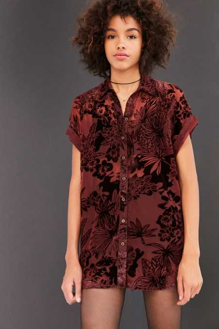 Ecote Anora Floral Burnout Velvet Button-Down Shirt
