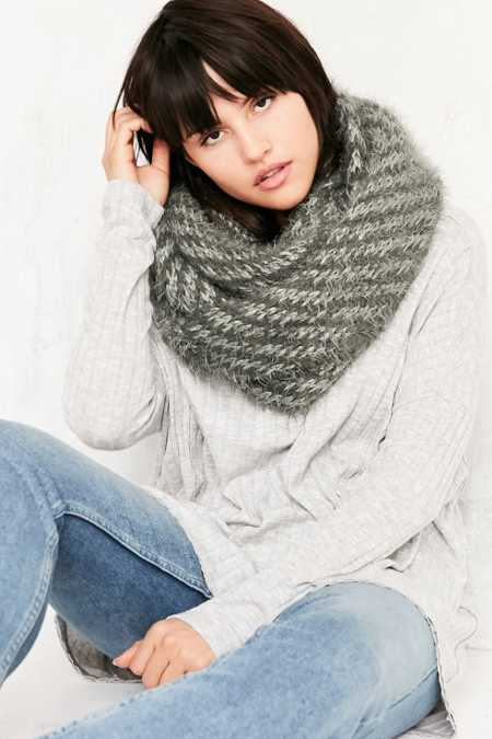 Plush Eyelash Eternity Scarf