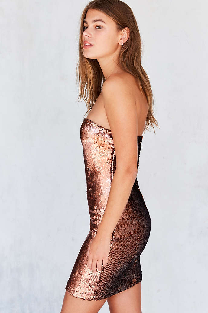 Motel Runaways Sequin Strapless Mini Dress - Urban Outfitters