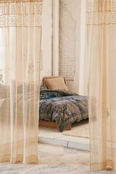 Pieced Eyelet Window Curtain