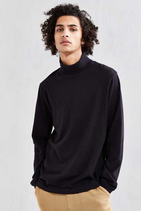 UO Basic Turtleneck Shirt