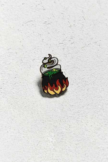 UO Cauldron Pin