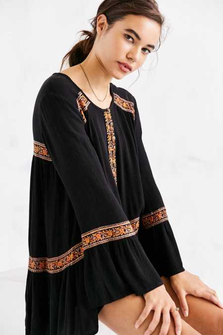 Ecote Namirah Patterned Bell-Sleeve Tunic Top