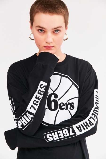 Mitchell & Ness NBA Long-Sleeve Tee