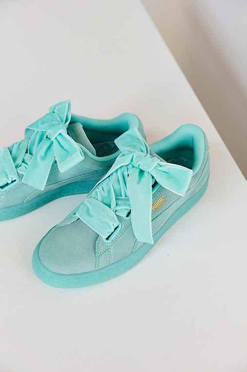 Puma Suede Heart Sneaker,MINT,9