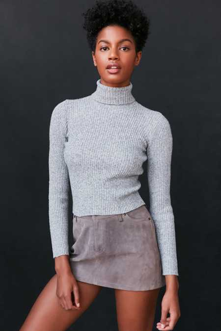 BDG Cassandra Ribbed Turtle Neck Sweater
