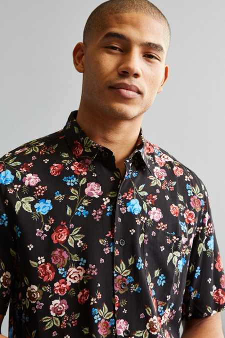 UO Rose Vineyard Rayon Short Sleeve Button-Down Shirt
