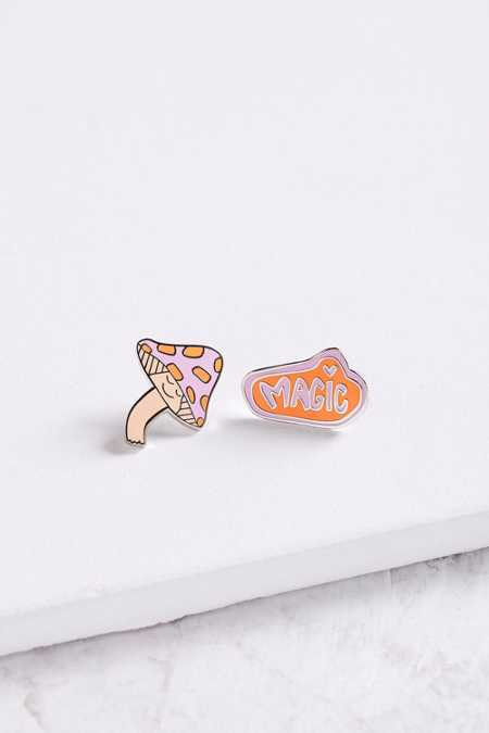 Annie Free X UO Magic Pin Set