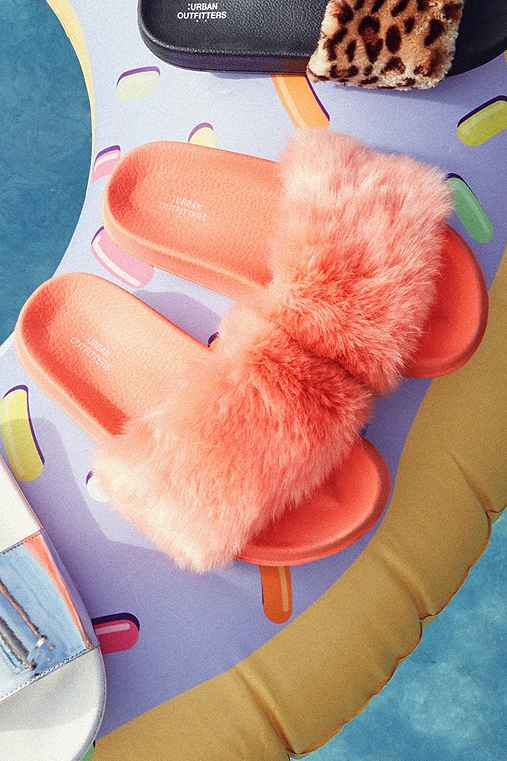 UO Faux Fur Pool Slide,PINK,6