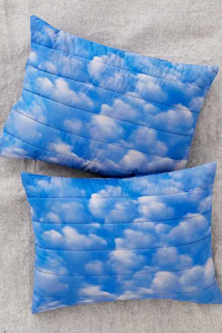 C. Michael Frey X UO Quilted Clouds Pillowcase Set
