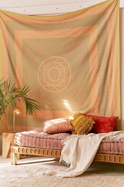 Sunblock Medallion Tapestry,GOLD,ONE SIZE
