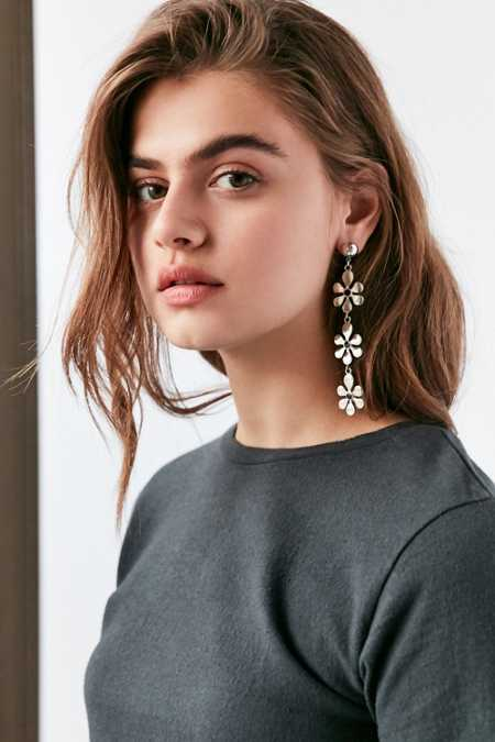 Daisy Statement Drop Earring
