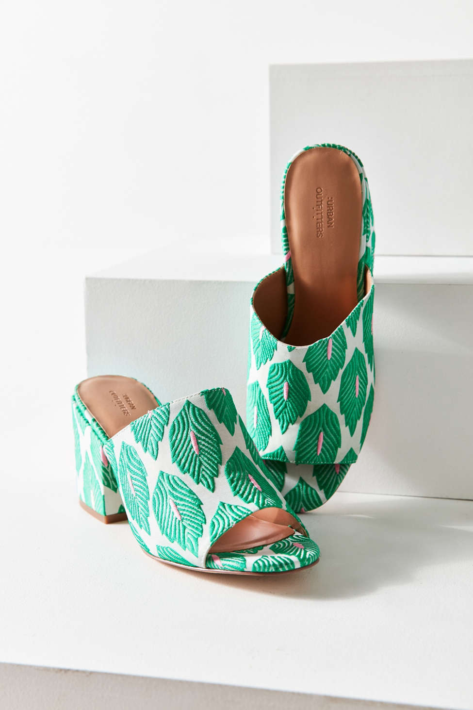 Palm patterned mules