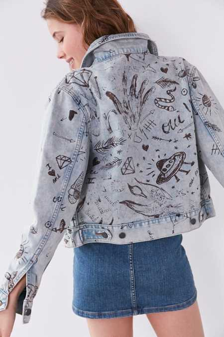 BDG Boyfriend Denim Graffiti Trucker Jacket