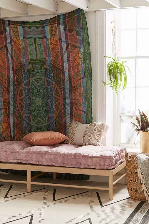 Kaleidoscope Ikat Medallion Tapestry,MULTI,ONE SIZE
