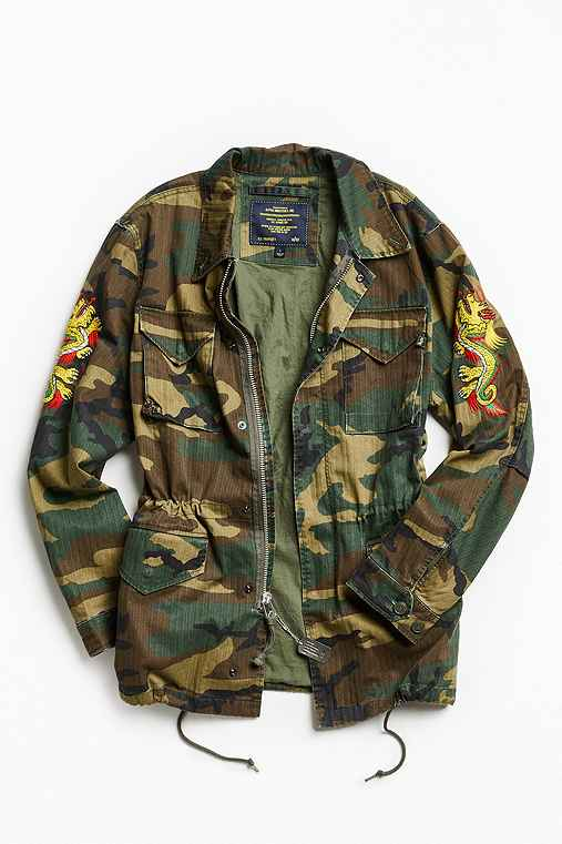 Alpha Industries X UO Double Dragon Tour Field Jacket,GREEN MULTI,XL