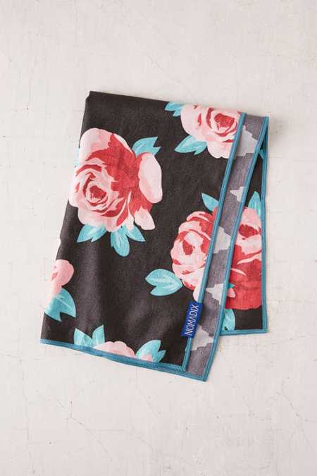 Nomadix Rose Water Hand Towel