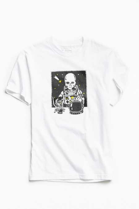 UO Artist Editions Dale Dreiling Space Friends Tee