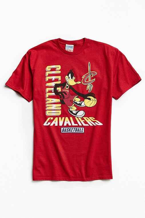 Junk Food Looney Tunes Cleveland Cavaliers Tee,MAROON,M