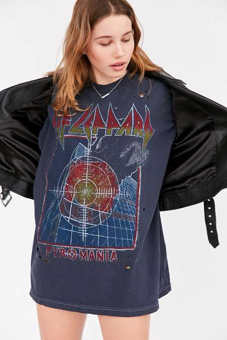 Def Leppard Oversized Tee