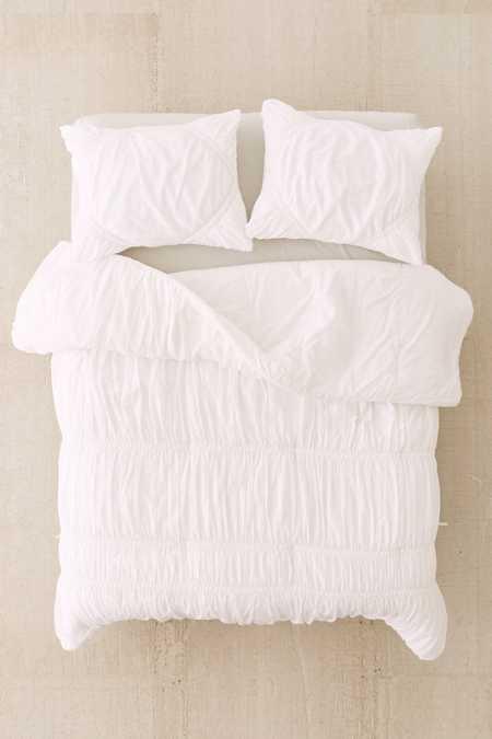 Rita Ruffle Comforter