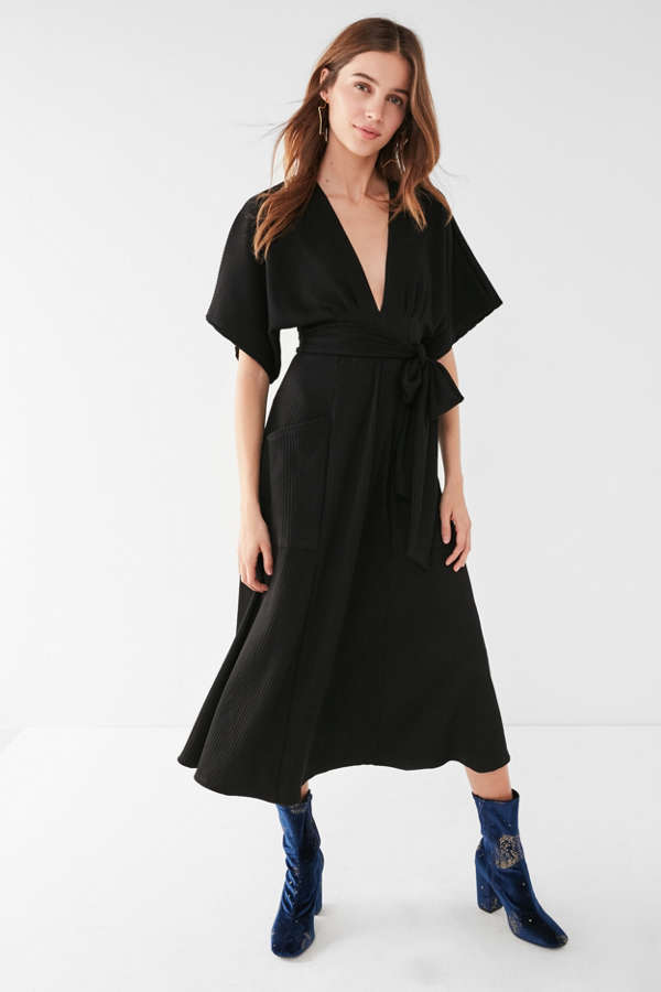 28b7385839 Uo Gabrielle Linen Midi Wrap Dress Urban Outfitters