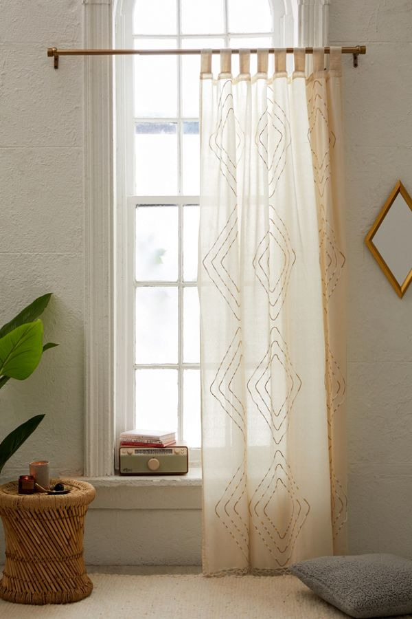 Slide View: 1: Shayne Window Panel