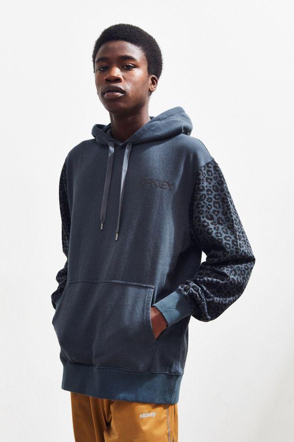 e6ac6a834f22 Champion Uo Logo Reverse Weave Hoodie Sweatshirt Urban Outfitters ...
