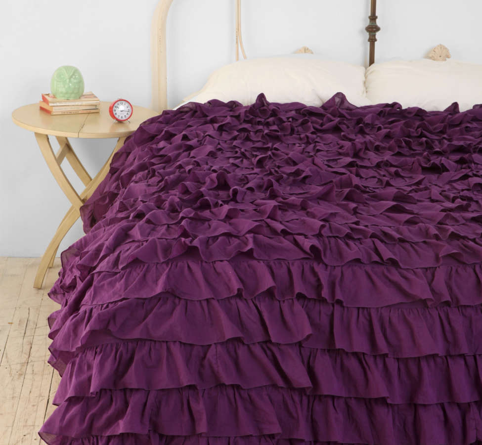Slide View: 1: Waterfall Ruffle Duvet Cover