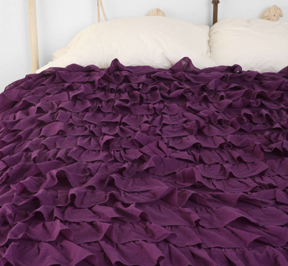Slide View: 2: Waterfall Ruffle Duvet Cover