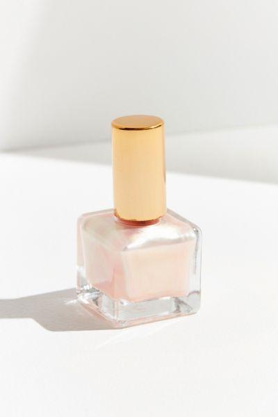 Nail Polish: Matte + Gel
