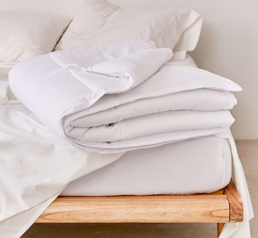 Slide View: 1: Lightweight Down Alternative Duvet Insert
