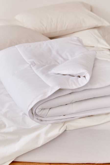Slide View: 2: Lightweight Down Alternative Duvet Insert