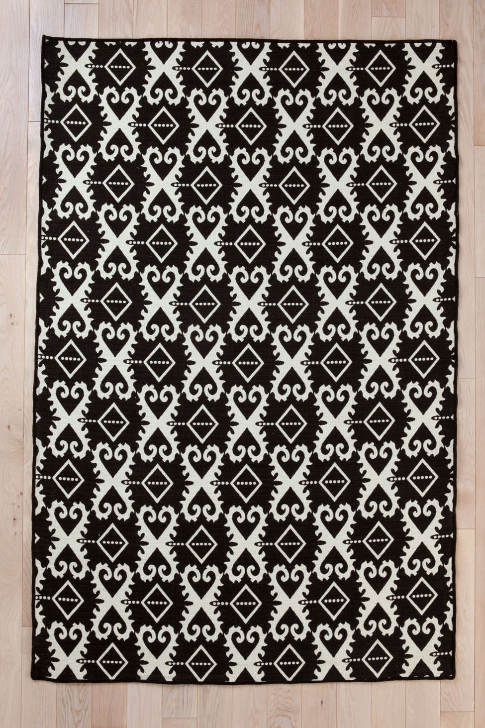 wool flat weave ikat rug | urban outfitters