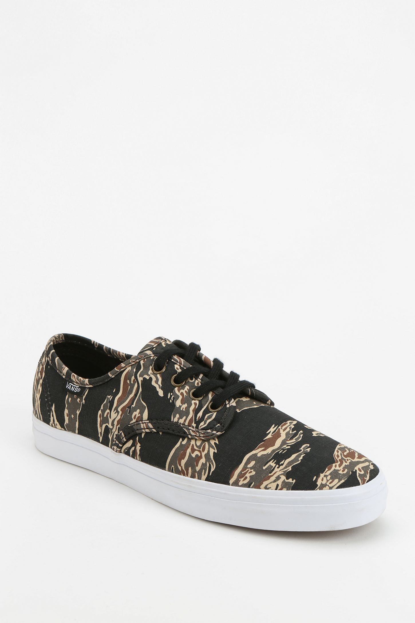 Vans Madero Tiger Camo Women s Low-Top Sneaker  25d5b94e88
