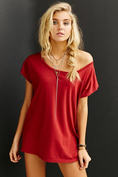Truly Madly Deeply Off-The-Shoulder Tee - Red XS at Urban Outfitters