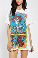Grateful dead roll sleeve tee urban outfitters for Lucky cat shirt urban outfitters