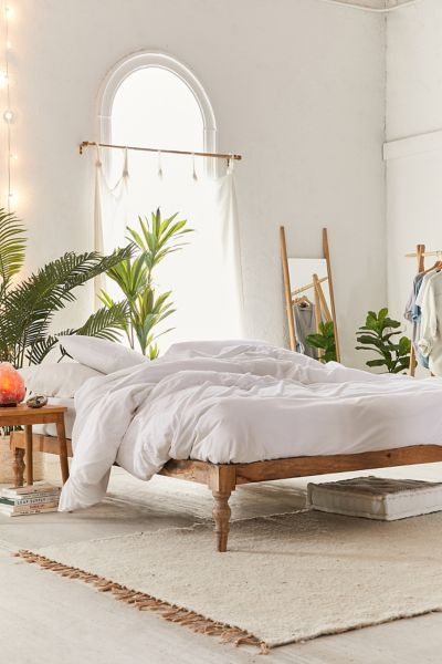 Bohemian platform bed urban outfitters - Bedroom with mattress on the floor ...