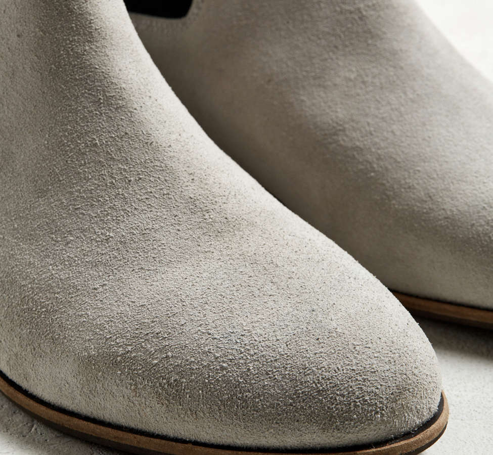 Slide View: 4: UO Suede Chelsea Boot