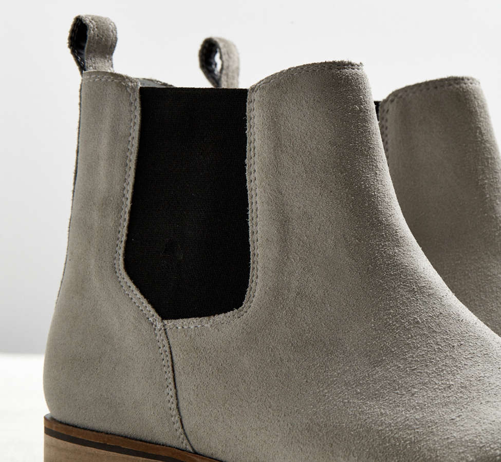 Slide View: 5: UO Suede Chelsea Boot