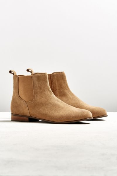 UO Suede Chelsea Boot - Light Brown 7 at Urban Outfitters