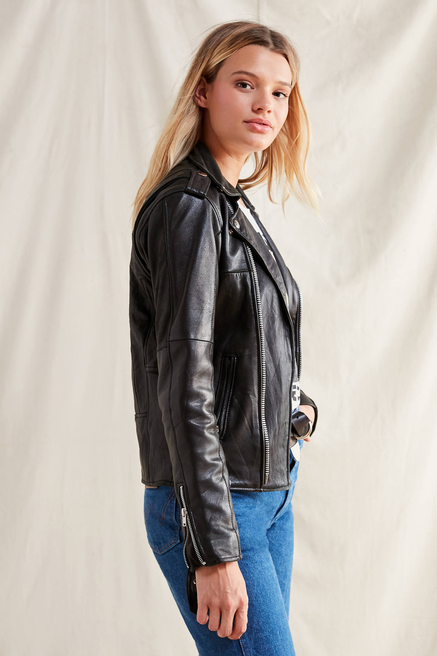 Leather jacket urban outfitters - Slide View 5 Pelechecoco Leather Moto Jacket