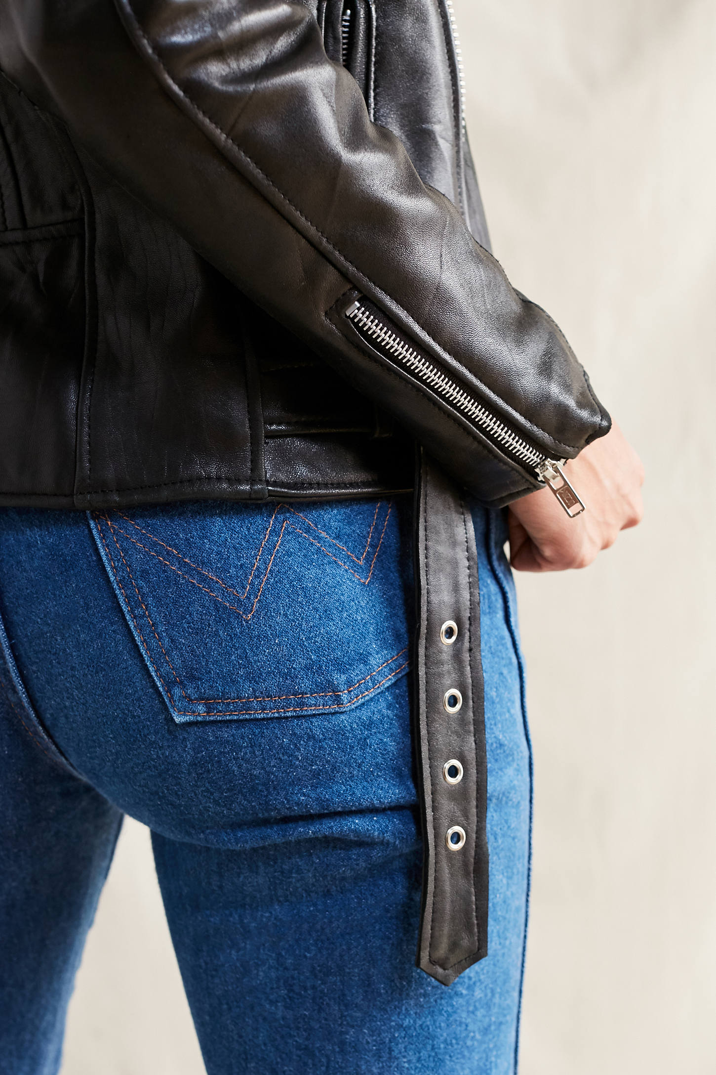 Leather jacket urban outfitters - Slide View 6 Pelechecoco Leather Moto Jacket
