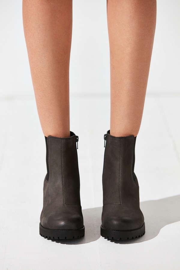 vagabond grace platform ankle boot urban outfitters. Black Bedroom Furniture Sets. Home Design Ideas
