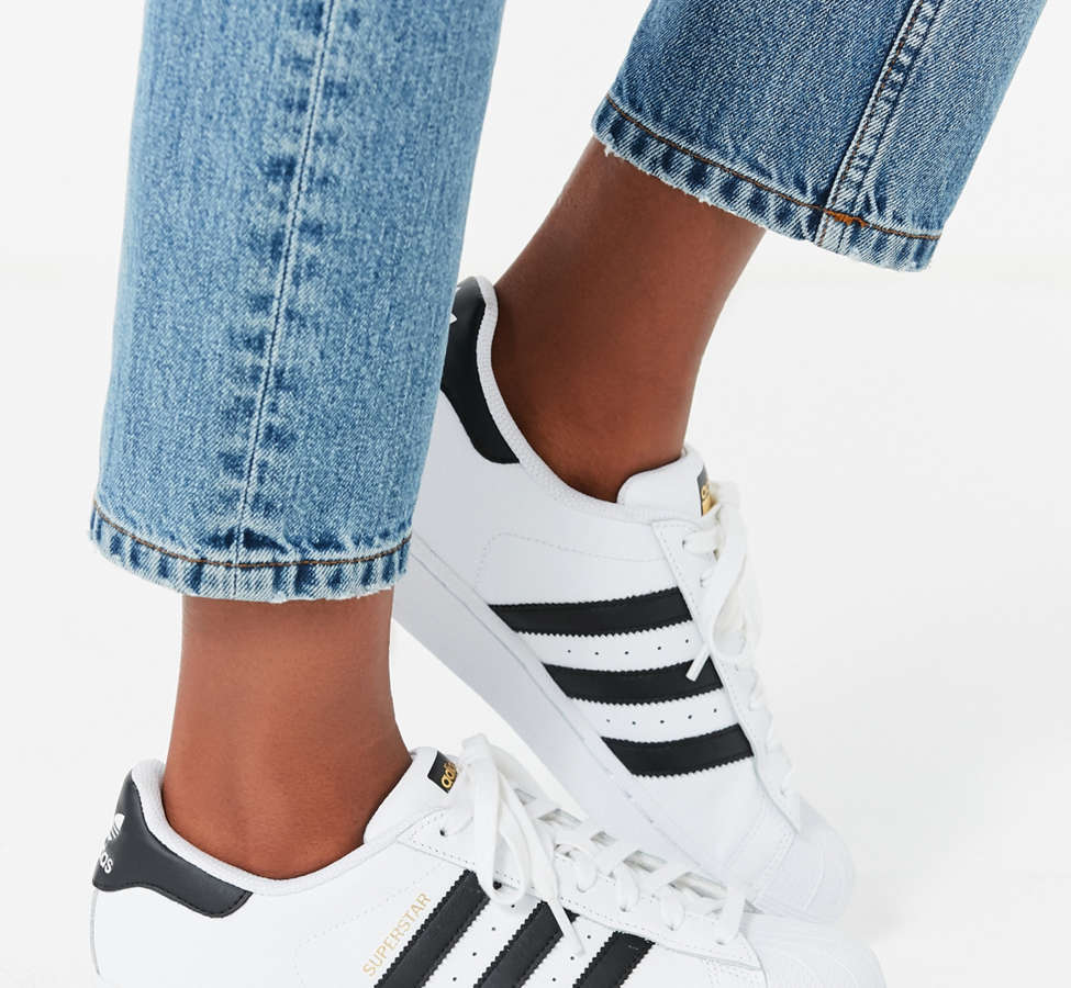 Slide View: 2: adidas Originals Superstar Sneaker