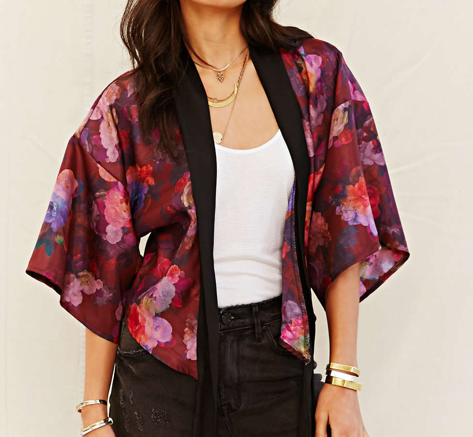 Slide View: 1: One & Only X Urban Renewal Tie-Front Kimono Top